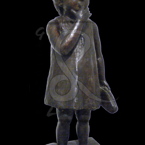 Angelo Biancini - Bimba con ciabatta, Gesso dipinto Cm 28,5x36 h 83